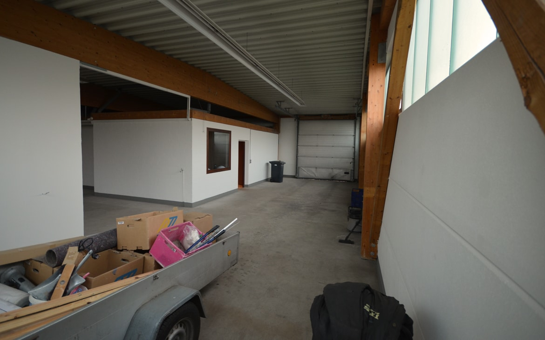 Lager-und-Garage